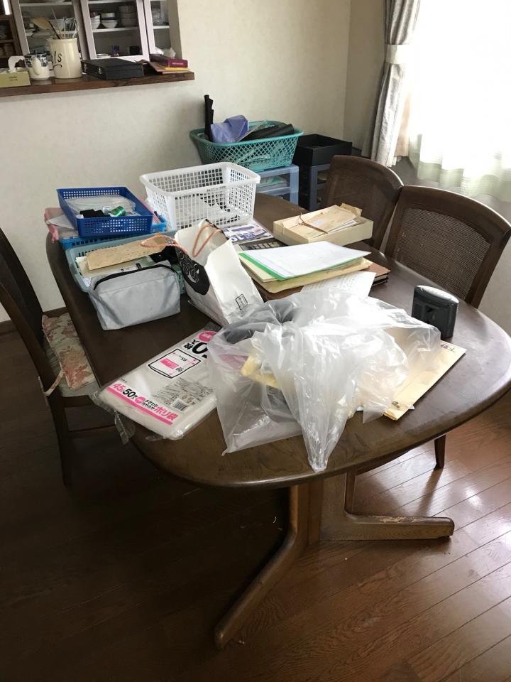 テーブルの整理前