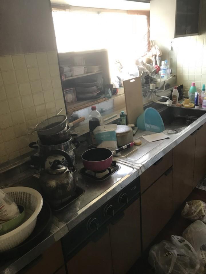 台所(キッチン)の遺品整理前