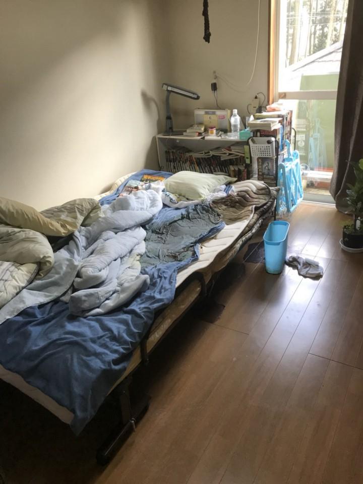 折り畳みのベッド