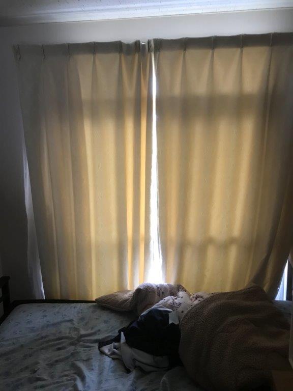 遺品整理前の寝室