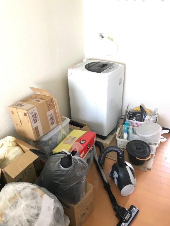 洗濯機などの不用品の片付け前
