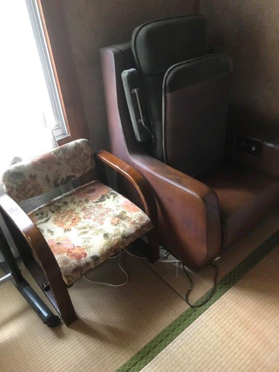 片付け前の椅子