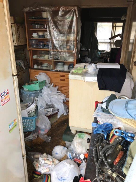 食器棚や洗濯機などの不用品