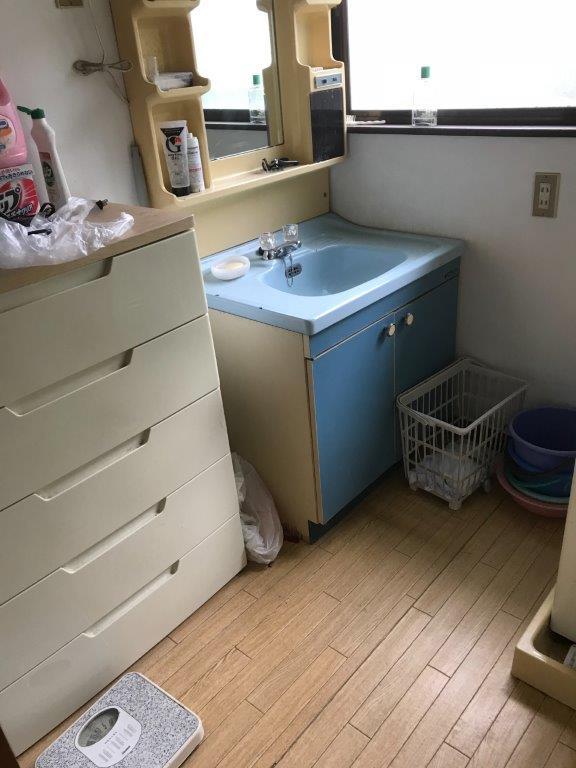 洗面所の整理・片付け前
