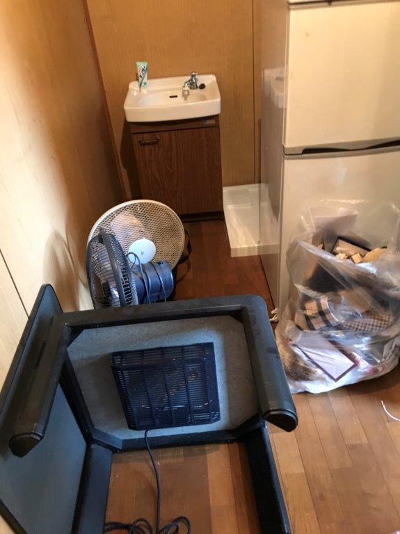 台所・洗面所の片付け前
