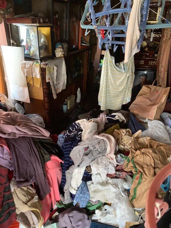 ゴミ屋敷の室内