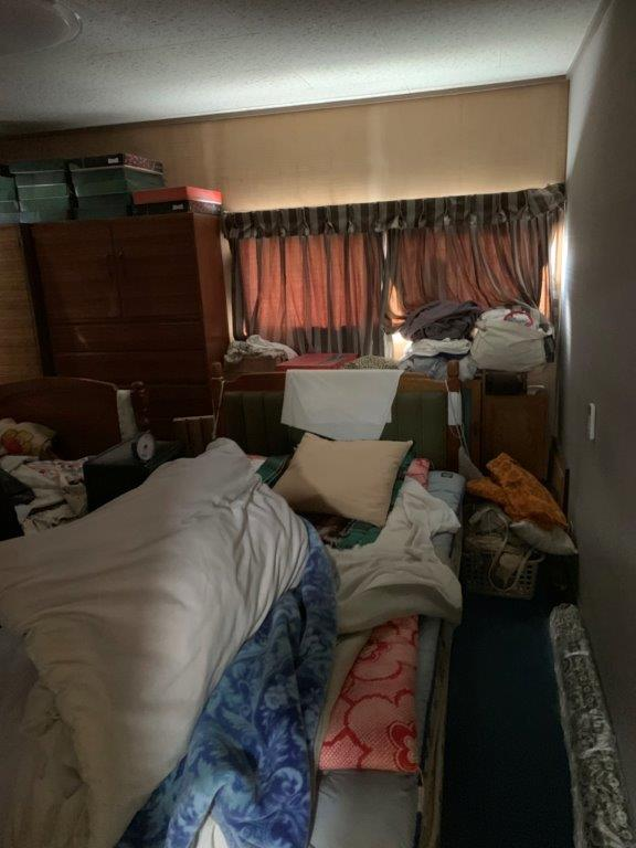 寝室の片付け前