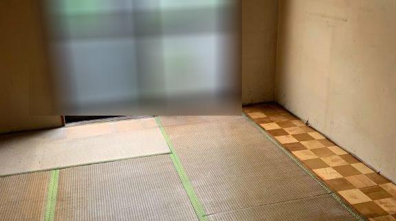 遺品整理後の室内