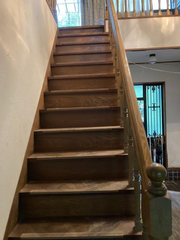 階段の片付け後