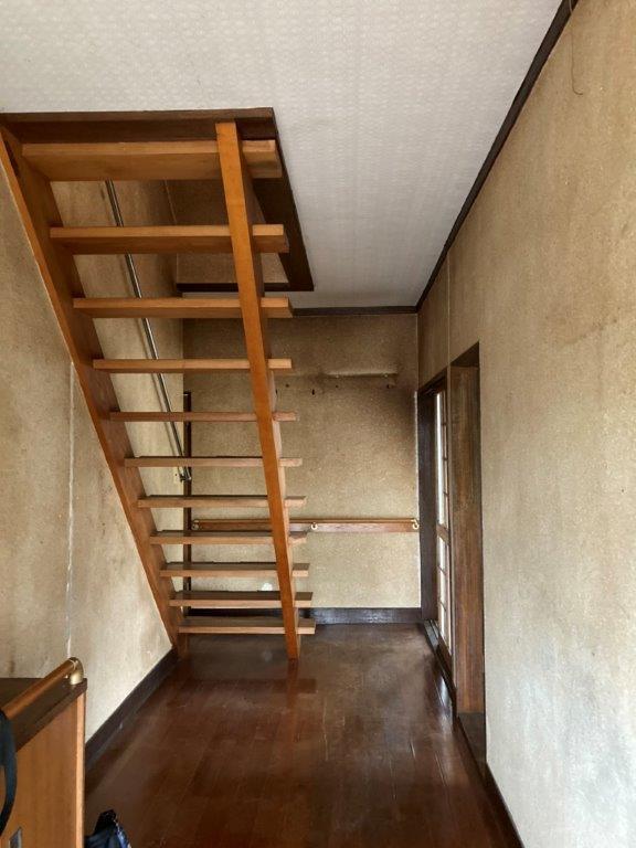 玄関・階段廻りの片付け後
