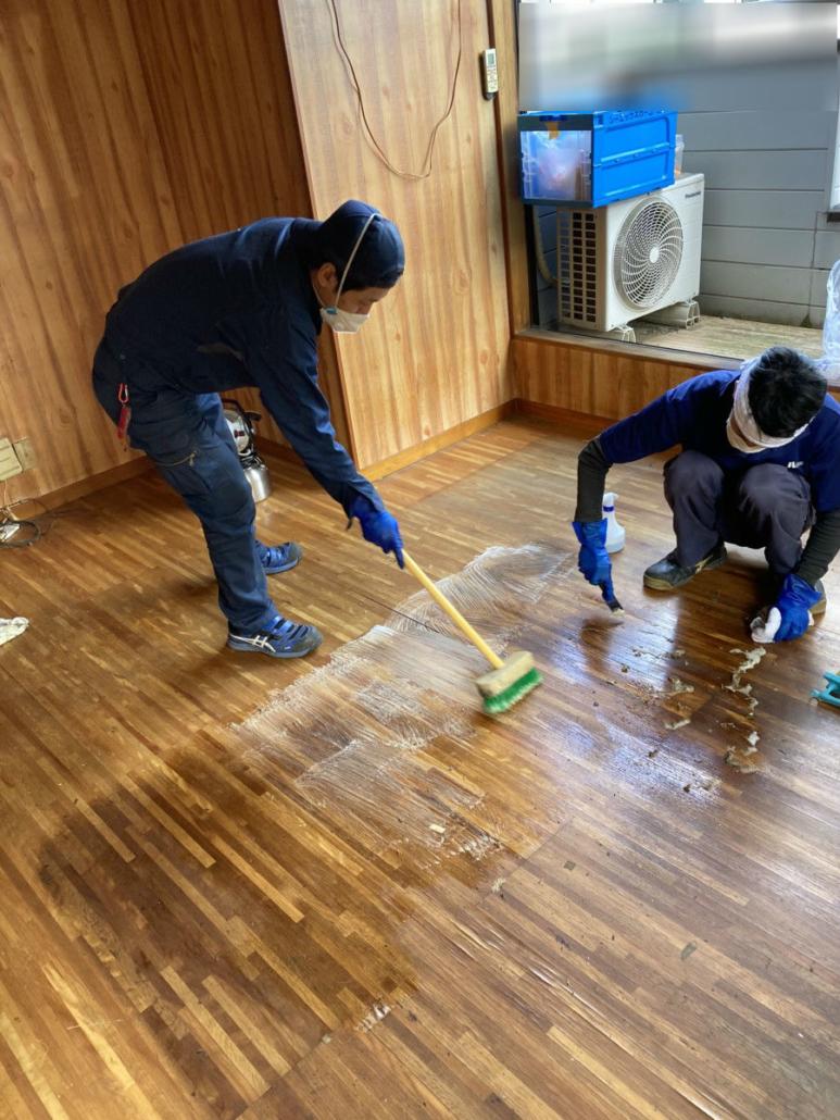 鹿沼市特殊清掃 施工中