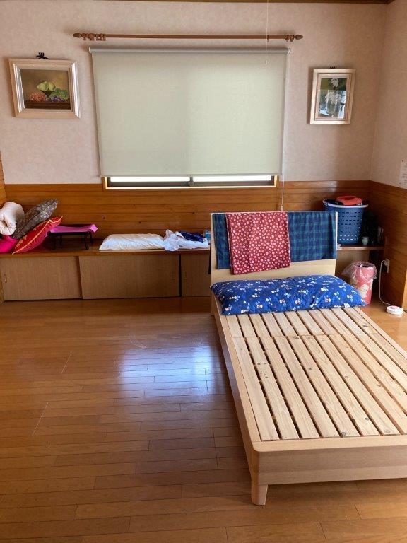 2階の寝室の片付け前