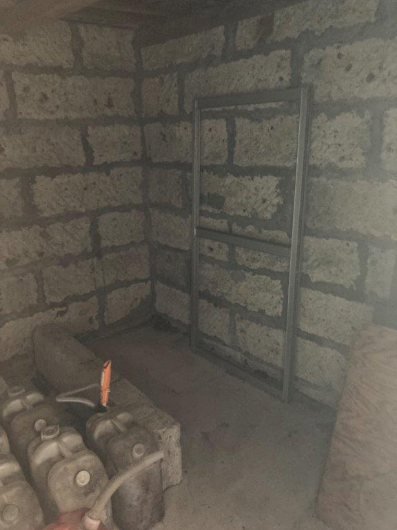 倉と外廻り、残置物の撤去