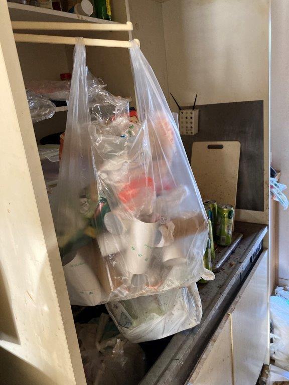 キッチンの片付け・清掃前
