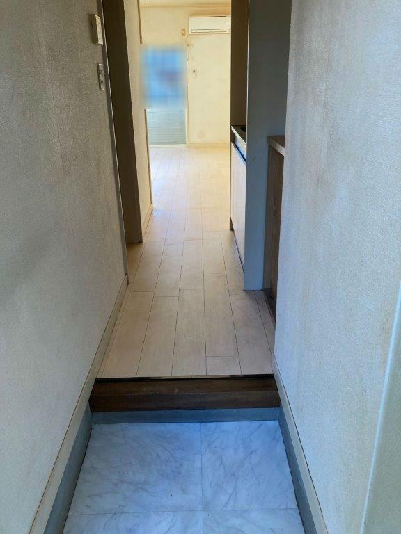 玄関入口の片付け・清掃後