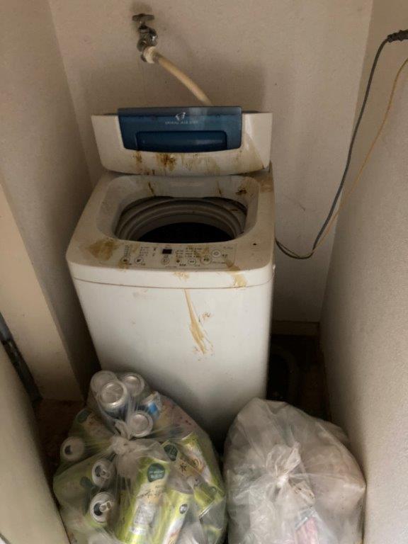 洗濯スペースの片付け・清掃前