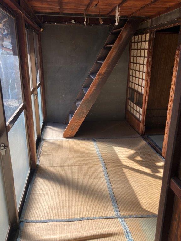 階段付近の片付け後